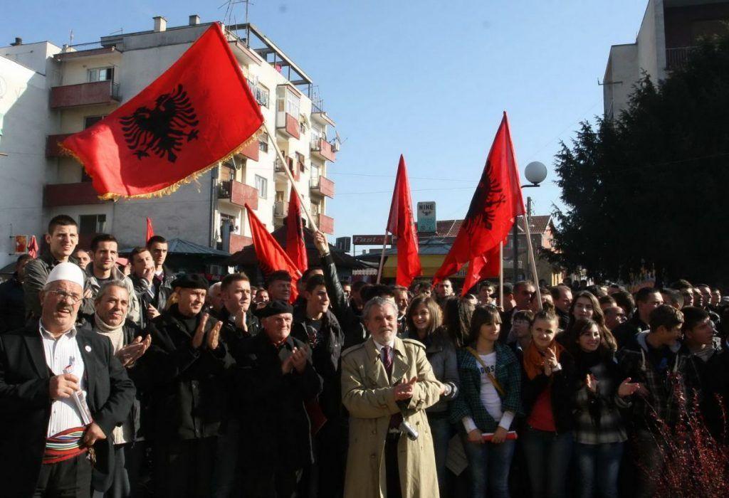 Uhapšen zbog cepanja zastave u Preševu