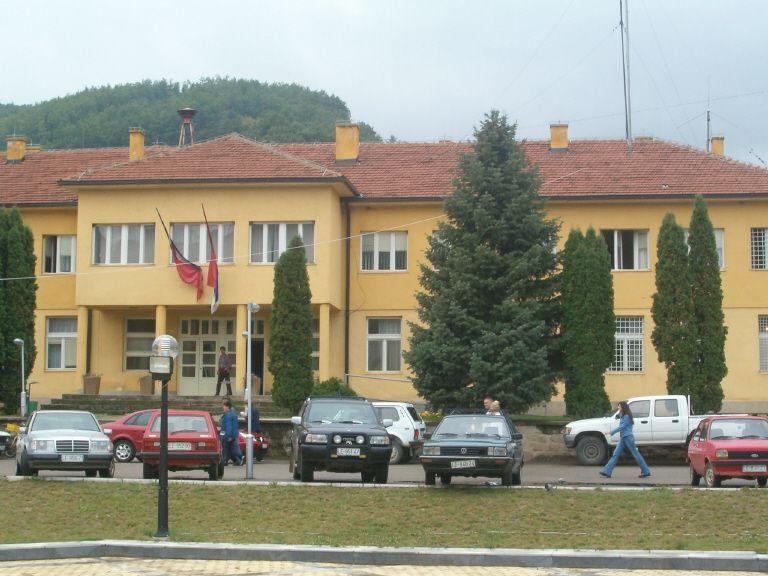 Fizičko i verbalno prepucavanje SNS i predsednika opštine Medveđa