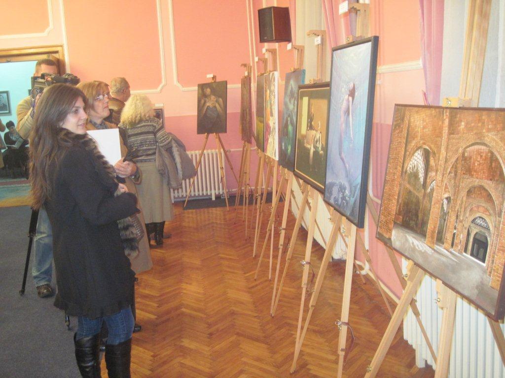 U Svečanoj sali Skupštine grada  izložba slika