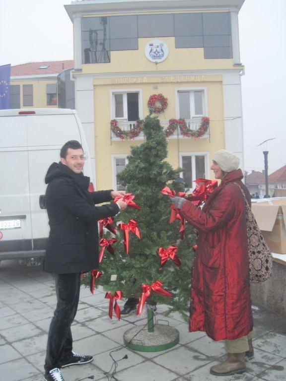 Pripreme za doček Deda Mraza u Surdulici