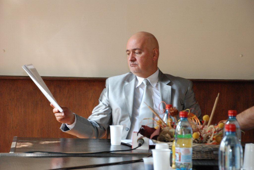 Smenjen direktor niškog  EI Holdinga  zbog  nenamenskog trošenja para