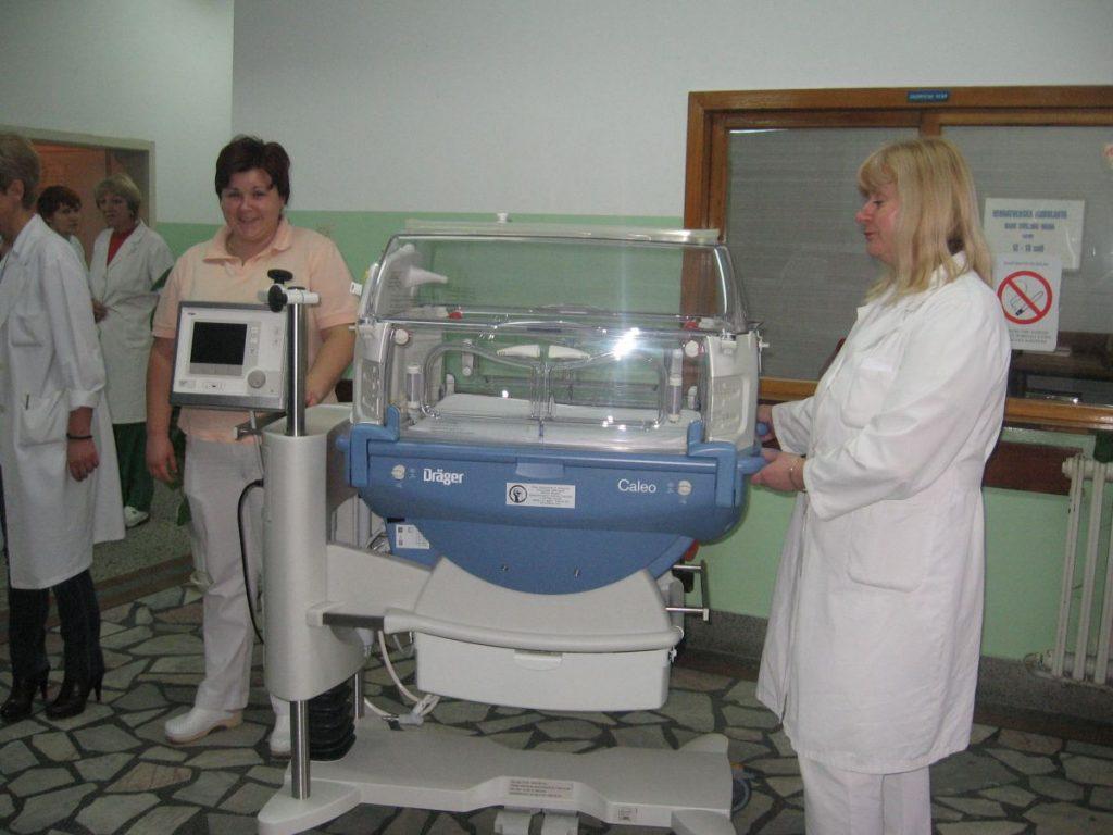 Kanadska ambasada donirala inkubator vranjskom porodilištu