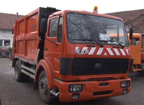 Vranje dobilo savremeno vozilo za iznošenje smeća