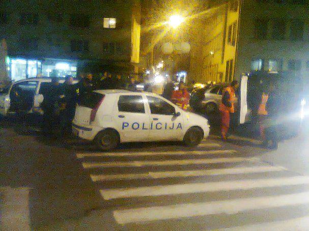 Potukli se taksisti i grupa mladića