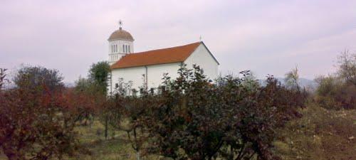Pet sela traži niže cene svešteničkih usluga