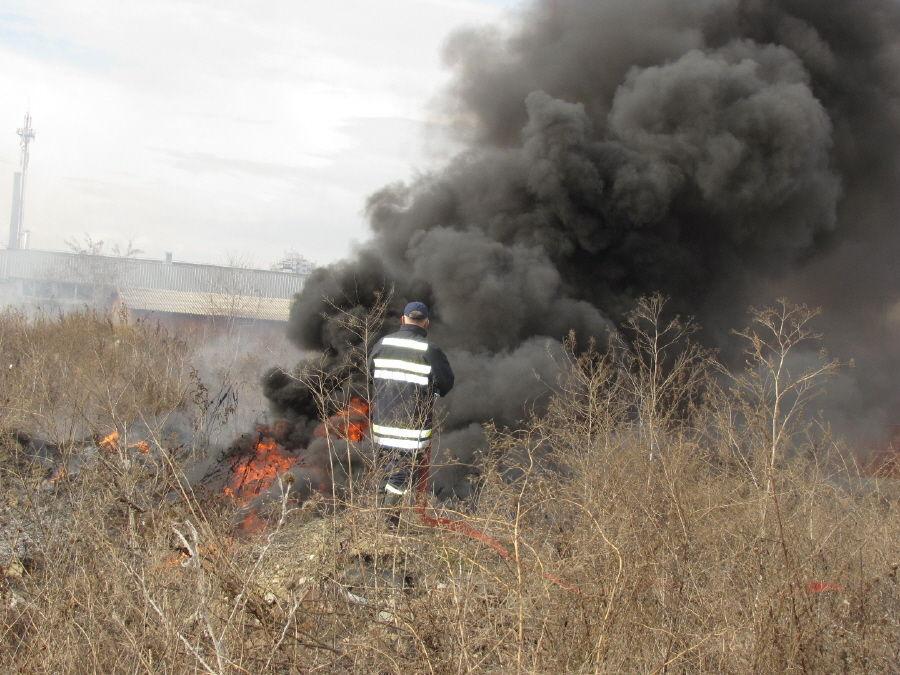 """Zapaljene gume izazvale požar kod """"Idee"""""""