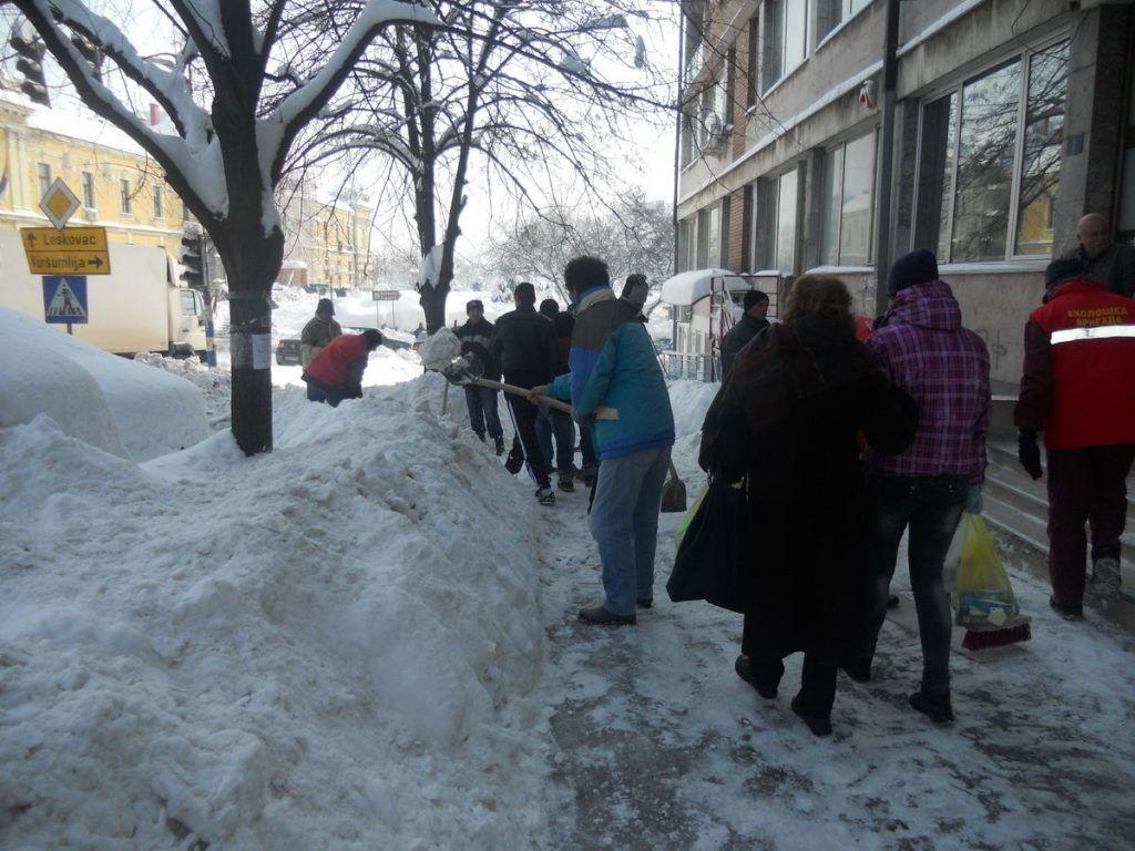Sneg u Prokuplju čistiće tri firme