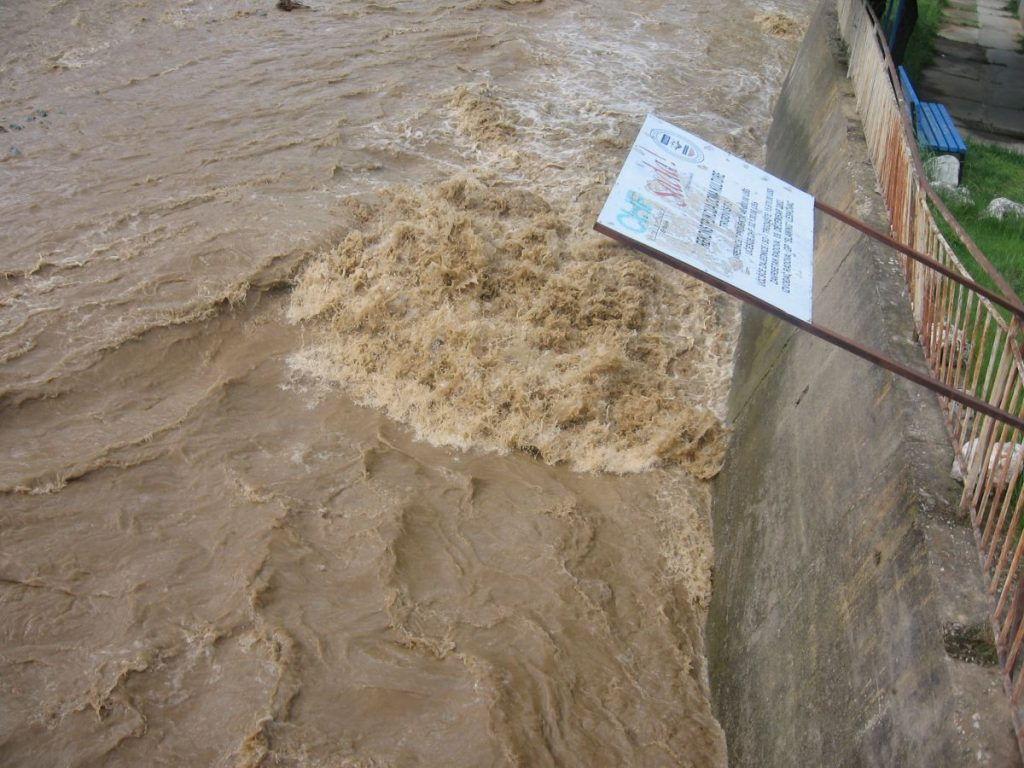 RHMZ: Moguće poplave na Južnoj Moravi Jablanici, Veternici i Vlasini