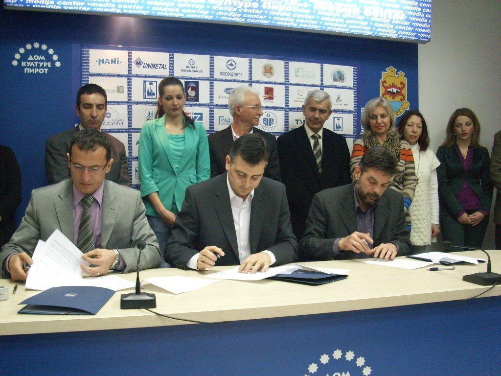 Potpisana  dva koaliciona sporazuma za lokalne izbore
