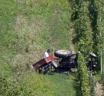 Krali traktore u Bogojevcu i Navalinu