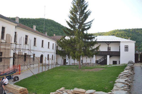Policajci i planinari uređuju manastir Sveti Prohor Pčinjski