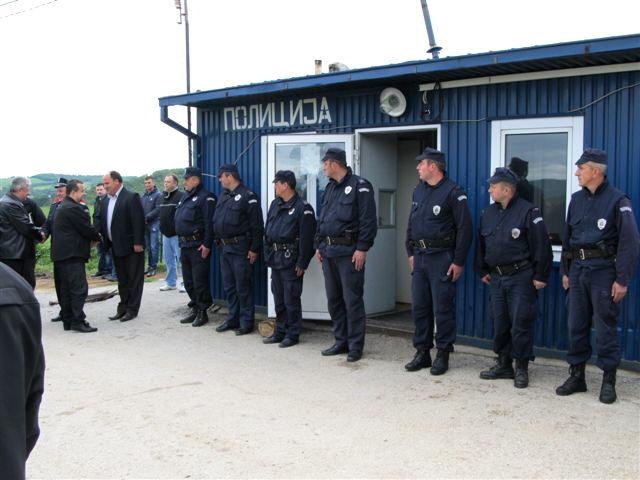 Policajce od terorista spasao kontejner