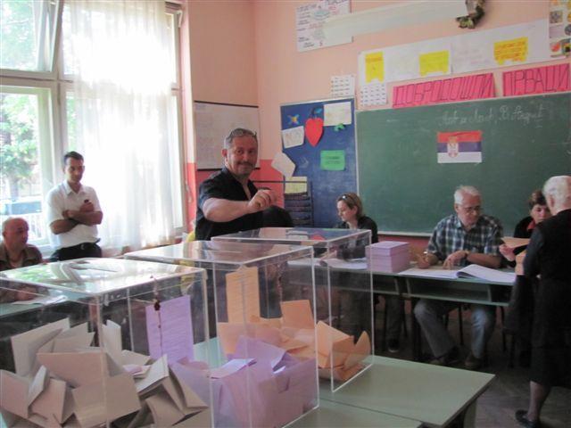 Veliki odziv birača u Medveđi i Bojniku
