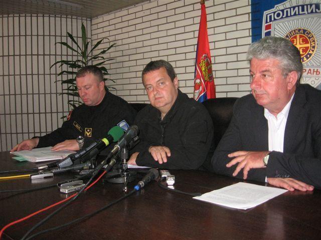 Dačić: Albanci sami da uklone spomenik OVPBM.