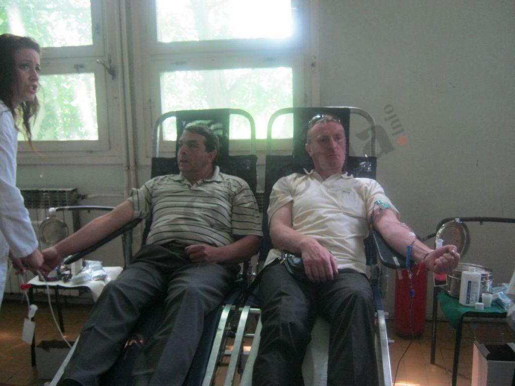 Hančani davaoci krvi za primer