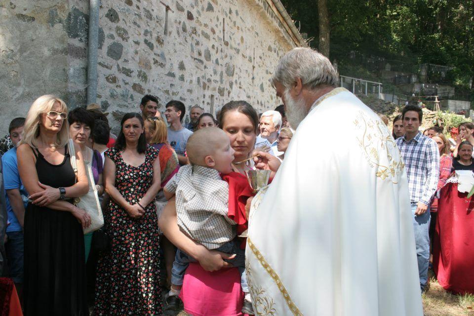 Crnotravci oživeli crkve