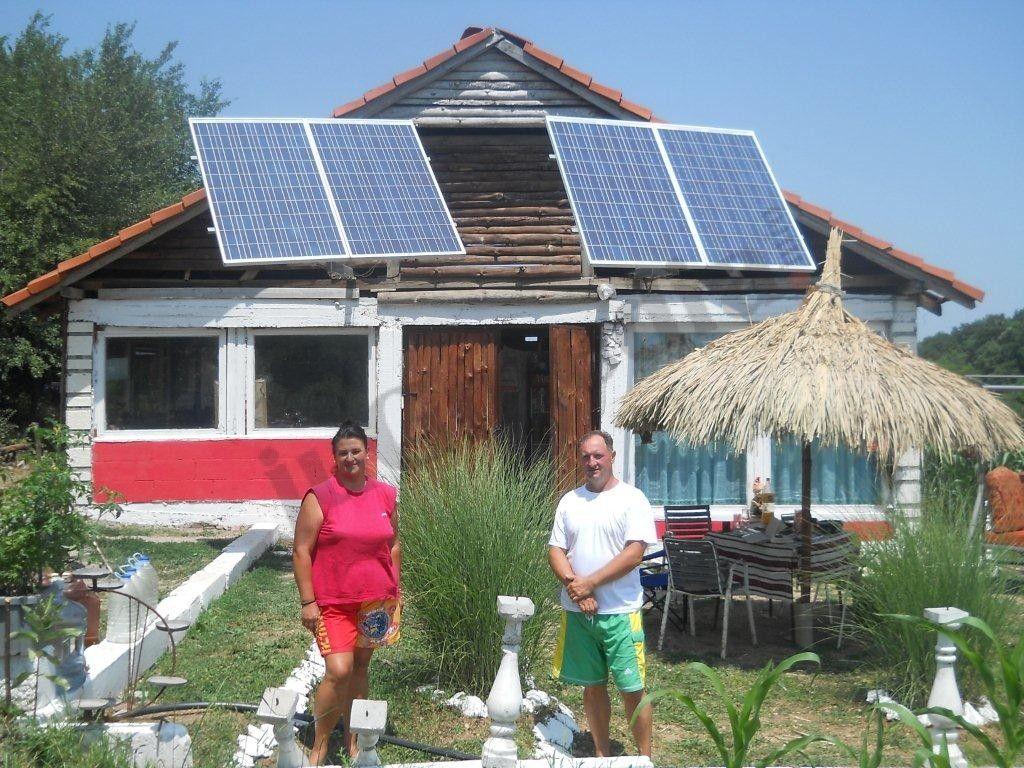 Postavili vetranjaču i solarne panele