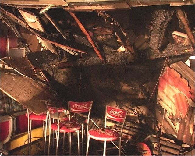 Molotovljevim koktelima zapalio kuću i ukućane