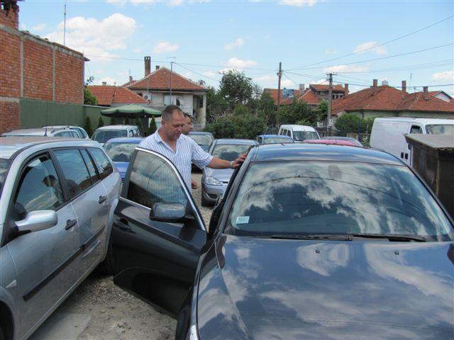 Stala prodaja polovnih automobila, vlasnici auto kuća u panici