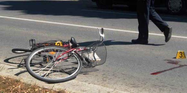Pešak i biciklista teže povređeni