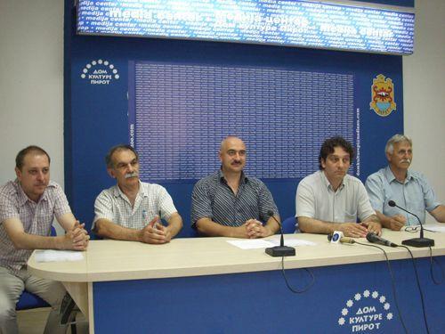 Neosnovan zahtev za uvođenje prinudne uprave u pirotskom parlamentu