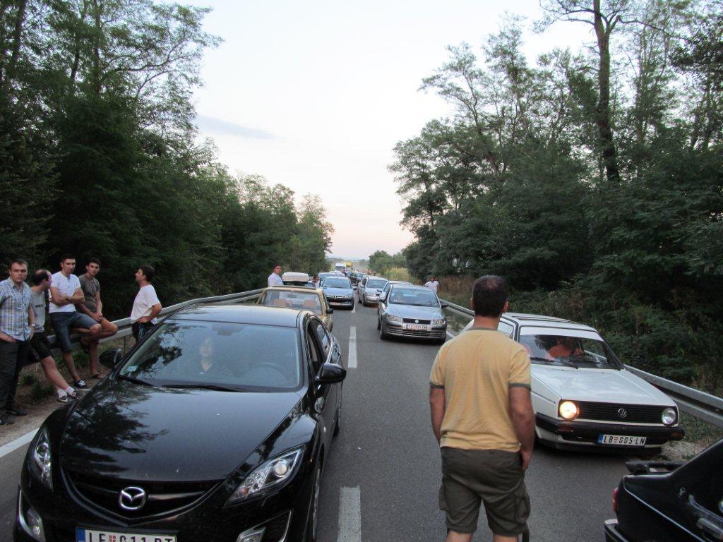 U saobraćajnoj nezgodi povređena četiri putnika