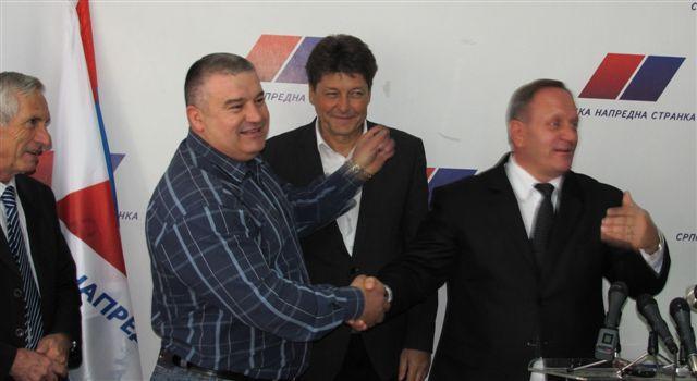 Ozvaničen ulazak leskovačkih socijalista u koaliciju sa SNS