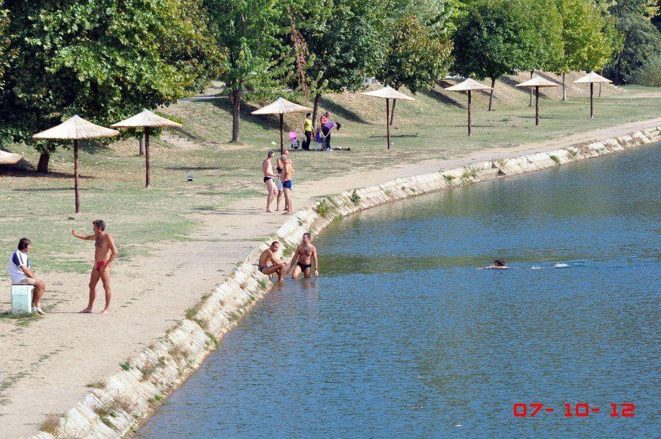 U Vlasini ne jenjava sezona kupanja ni u oktobru