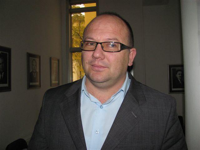 Jovanović smenjuje naše kadrove zbog svog i interesa druge stranke