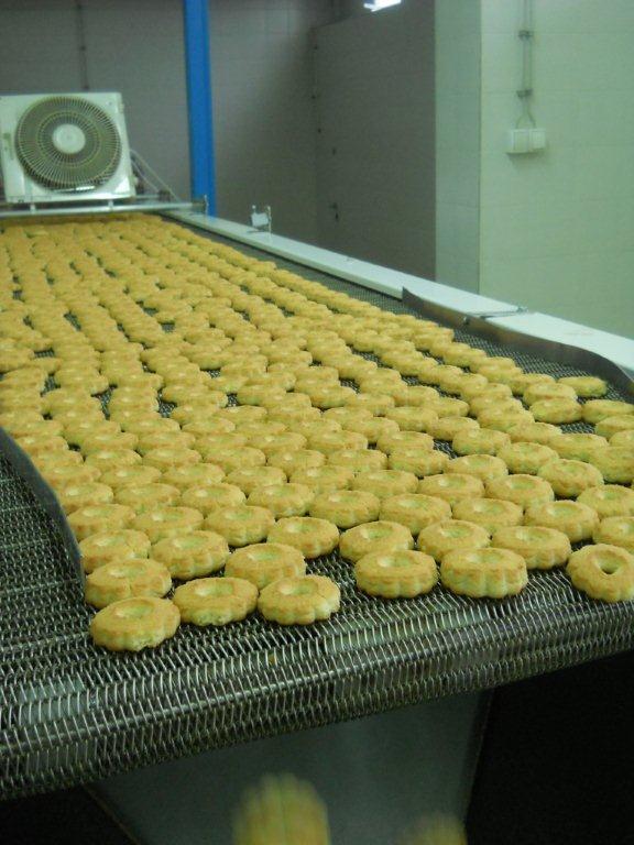 Yumis počeo da proizvodi i slatkiše
