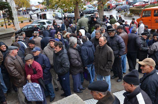 Protest niških radnika: Ili plate ili protestne šetnje