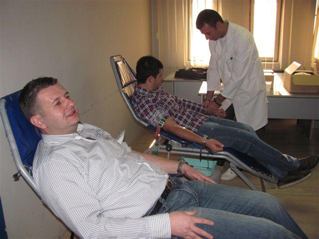 Članovi URS u Leskovcu dali krv