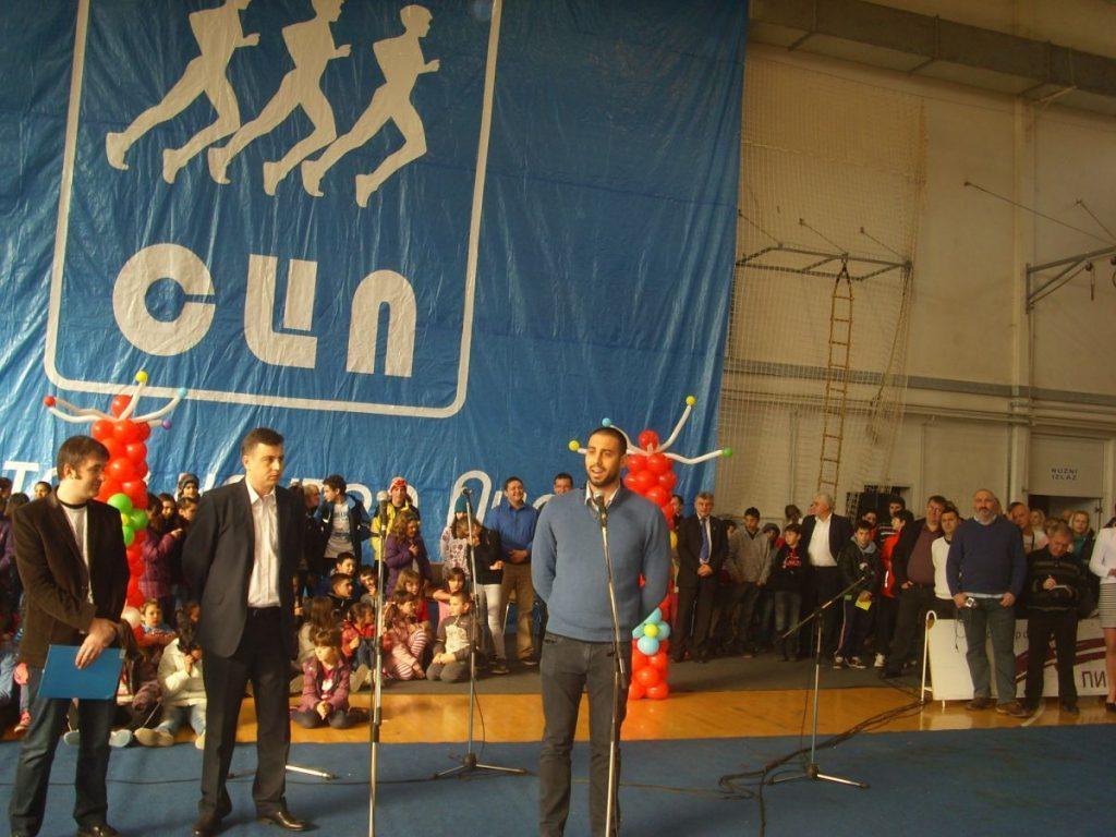 Milorad Čavić otvorio Božićnu školu sporta