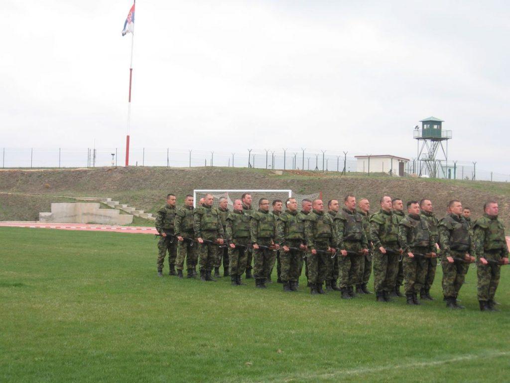 Vučić započeo obilazak vojnih baza