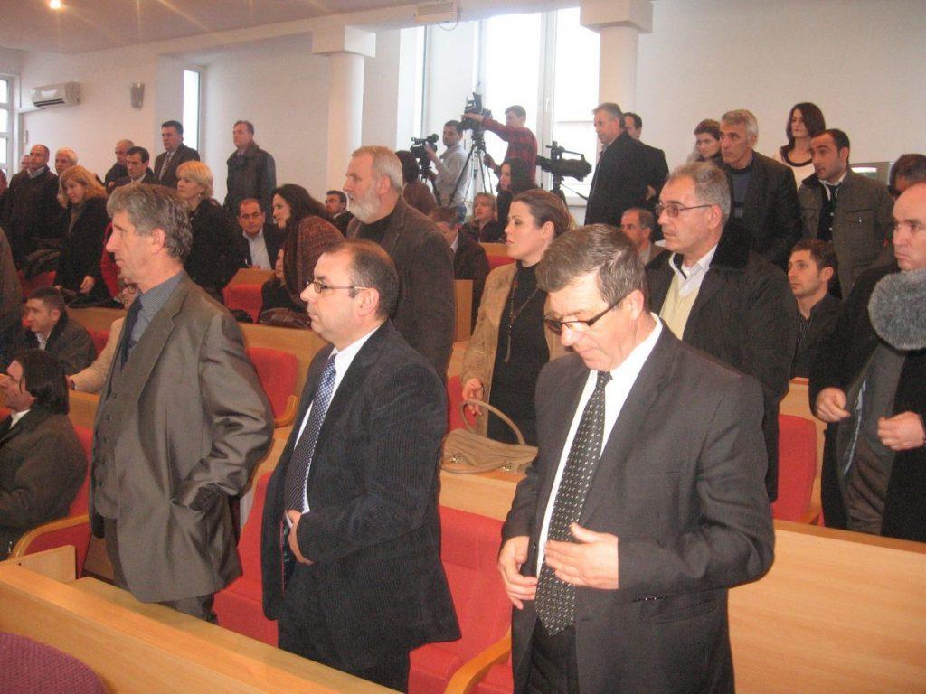 Spomenik ostaje traži se pomoć Albanije