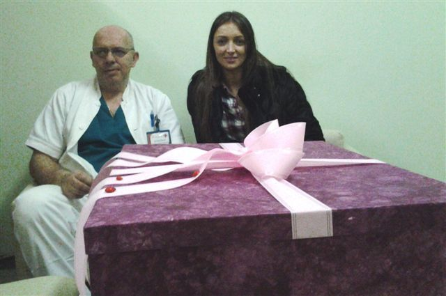 Kruševljanka donirala pelene leskovačkom porodilištu