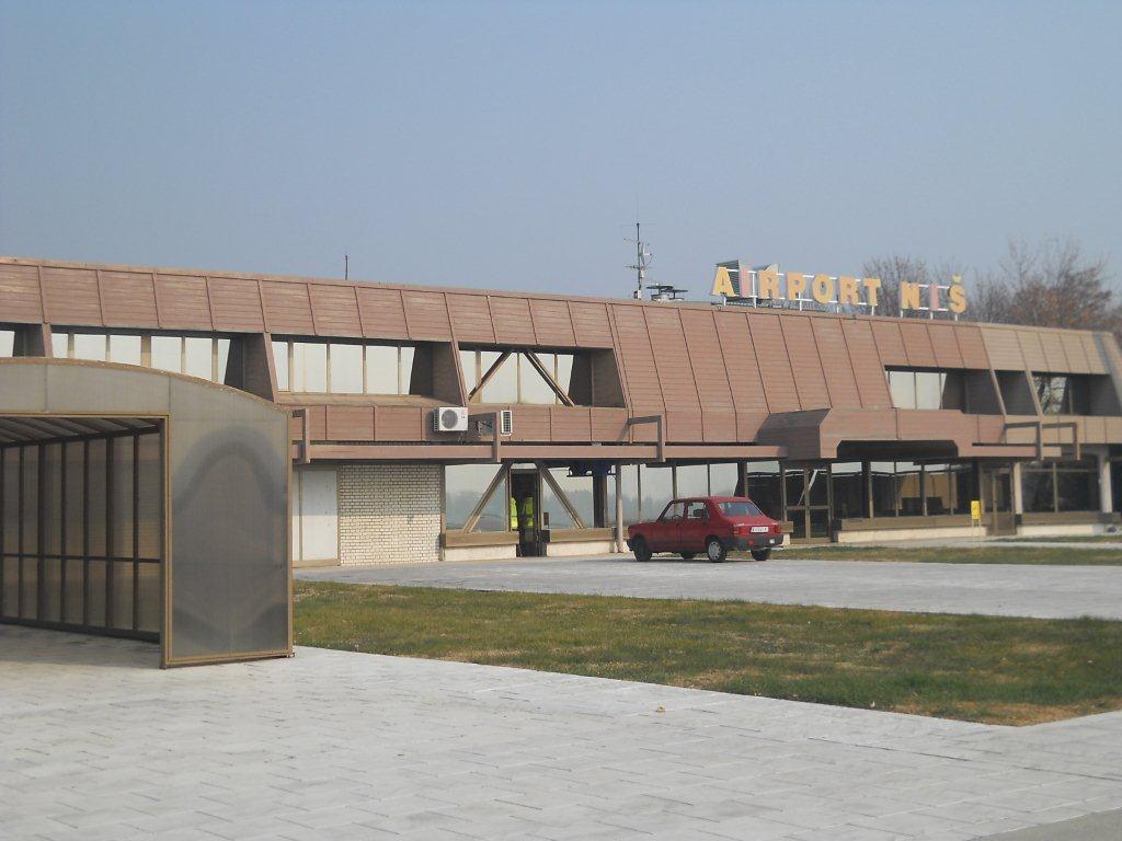 "Zbog štrajka mesecima ne radi restoran na aerodromu ""Konstantin Veliki"""