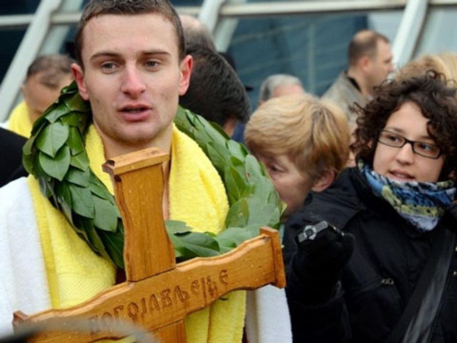 Student Petar Ilić pobedio u trci za Časnim krstom