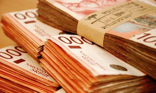 STIŽE POVEĆANJE Novembarske plate medicinskim sestrama do 55. 000, nastavnicima do 56. 000, a policajcima 51. 000 dinara