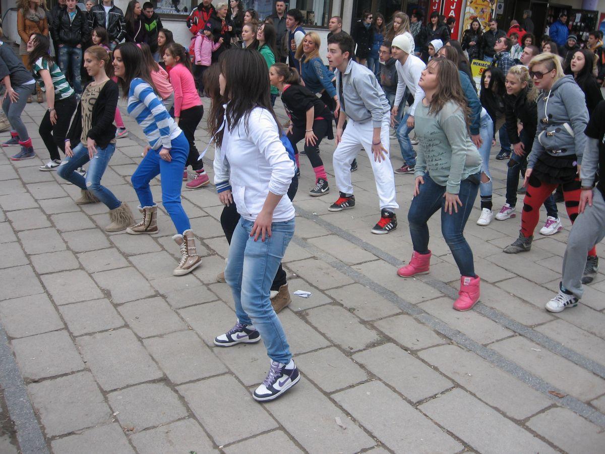 Plesom protiv nasilja