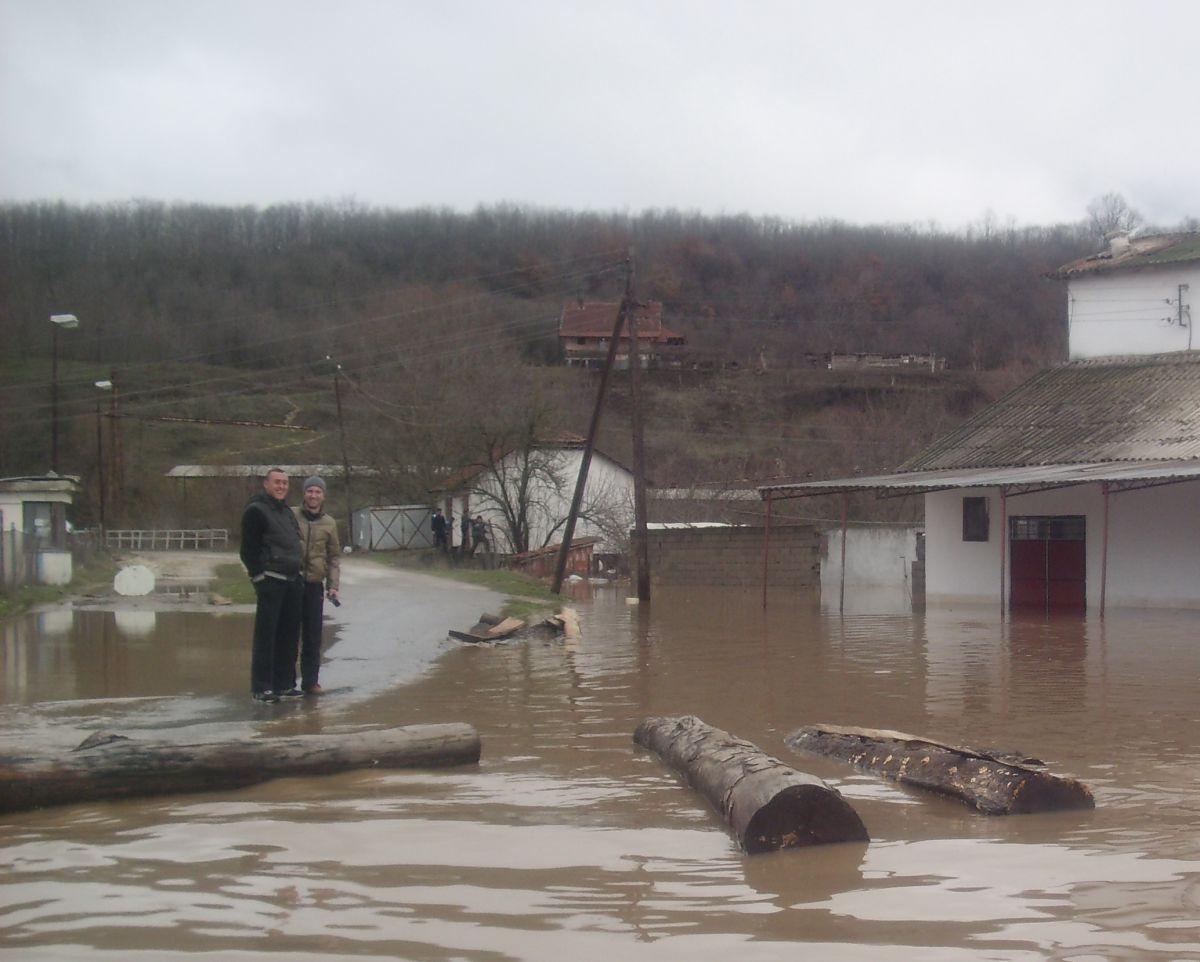 Koordinaciono telo pomaže poplavljenima