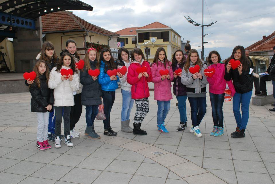 Učenici iz Surdulice obeležili Dan ljubavi