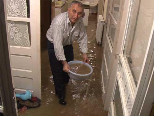 Voda u poplavljenim područjima nije za piće