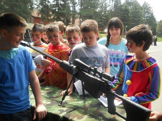 Opuštena proslava Dana Vojske u Leskovcu