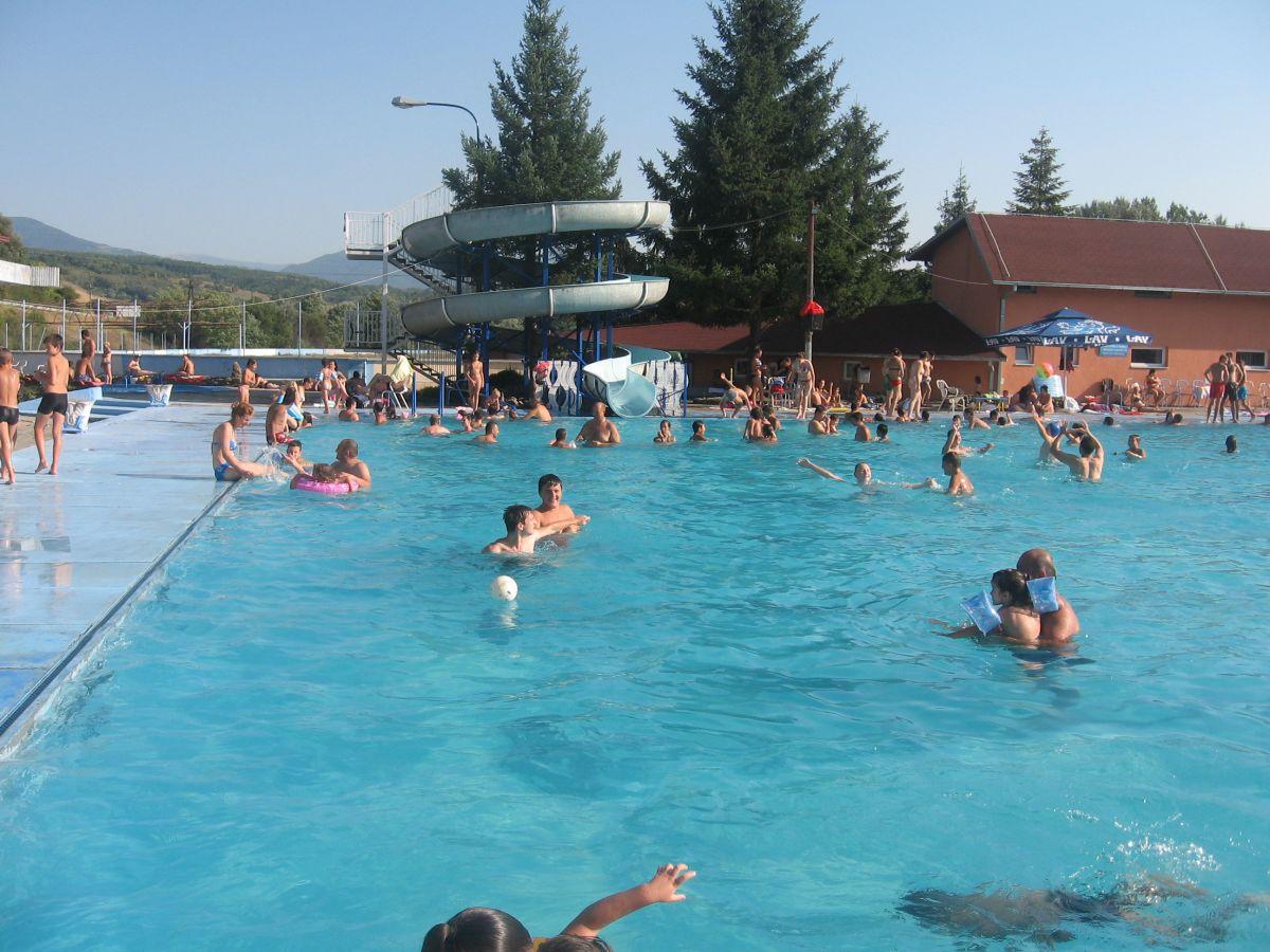 Veliko interesovanje za školu plivanja