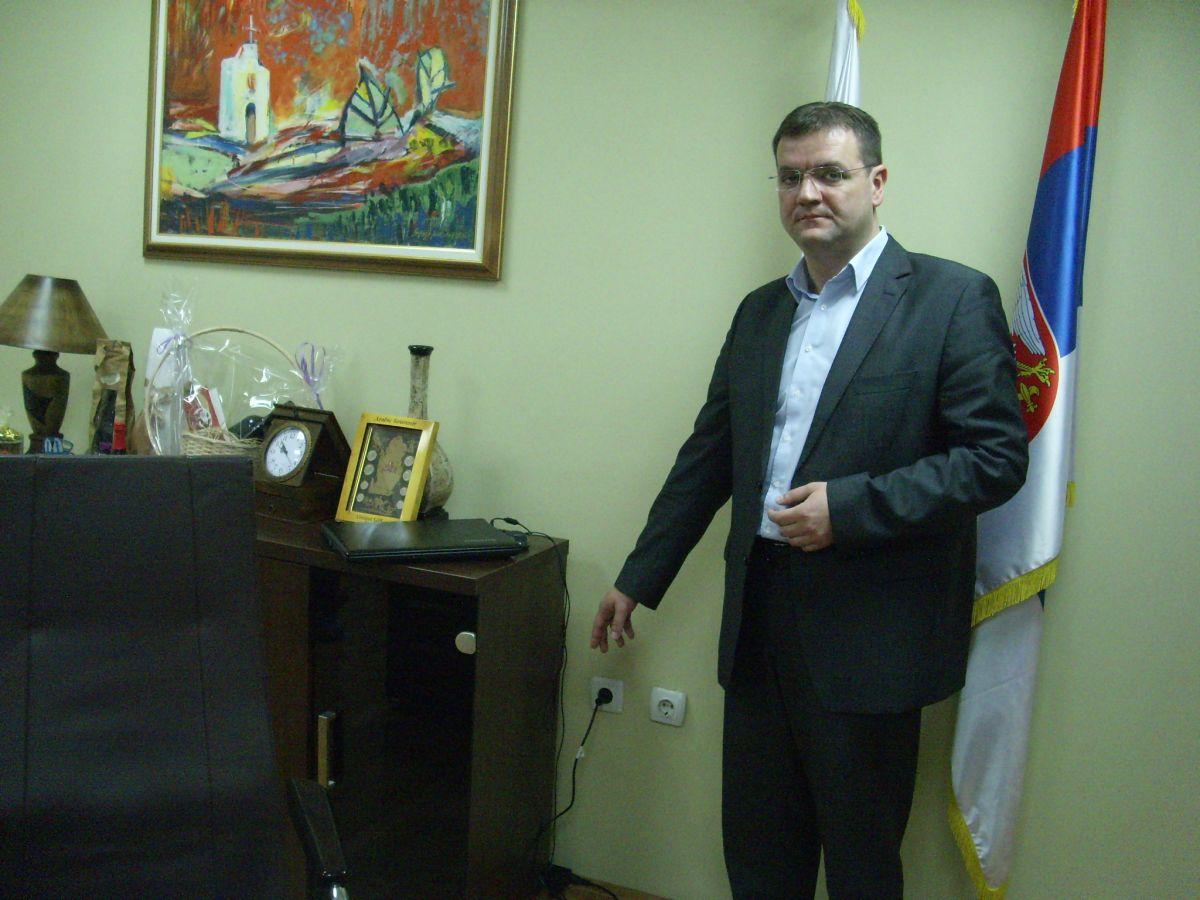 U kabinetu predsednika opštine Bela Palanka pronadjen uređaj za prisluškivanje