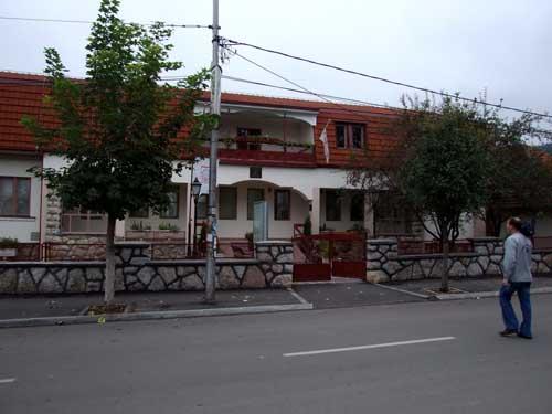 Povelja ambasadi Japana