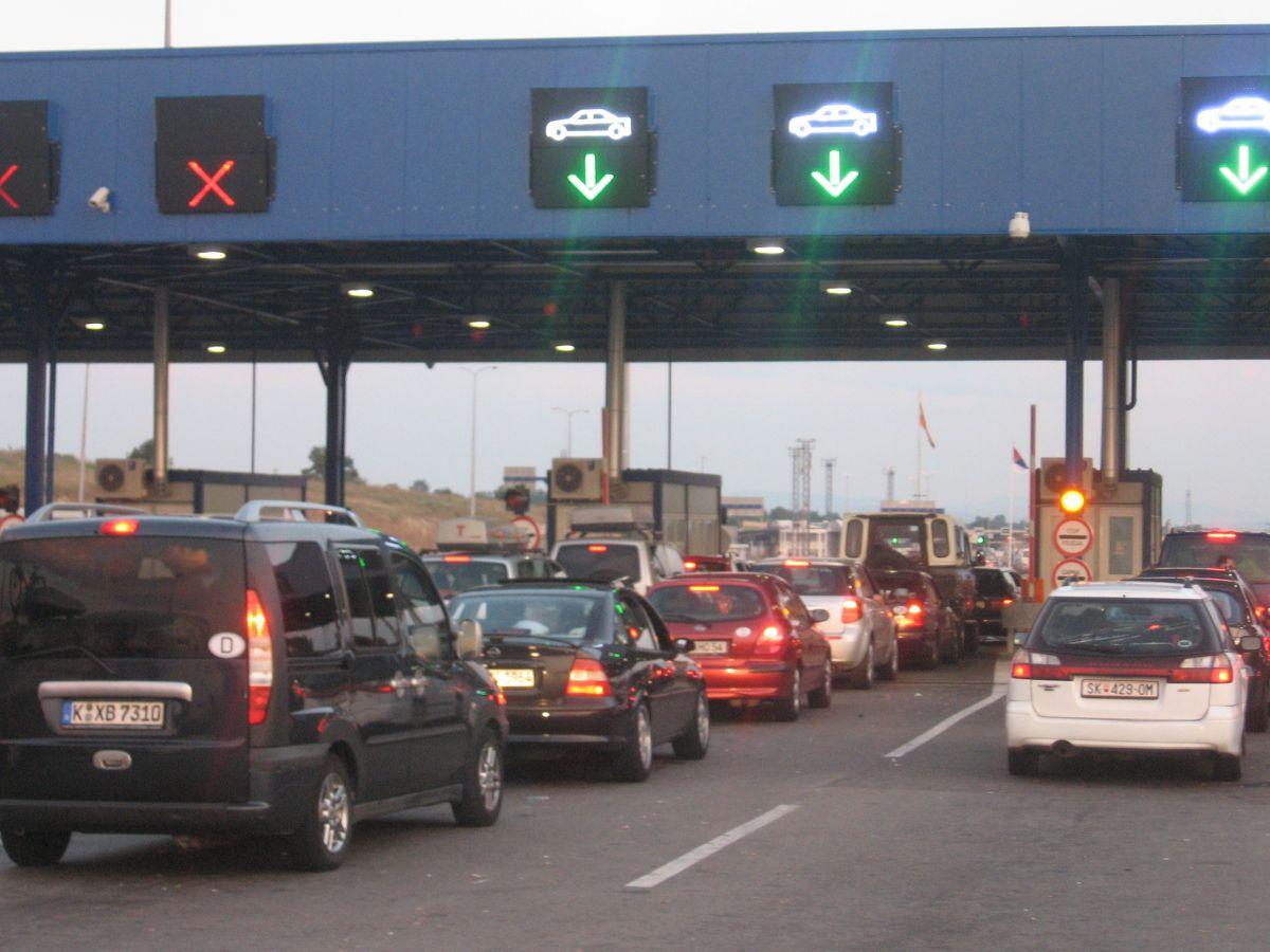Na graničnom prelazu Preševo kolone zbog kvara na sistemu