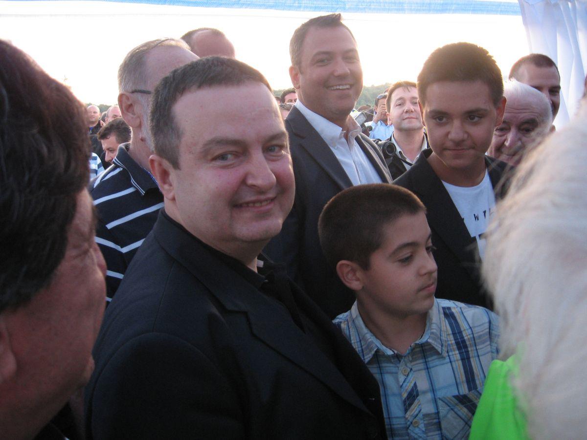 Ivica Dačić voli da peva ali ne i da glumi