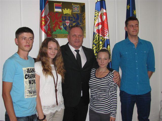 Gradonačelnik dnevnice iz Kine donirao učenicima i studentima